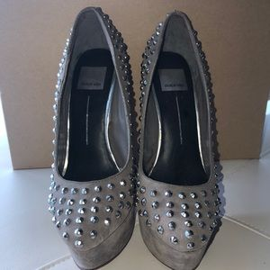 Dolce Vita gray high heels with metal spikes